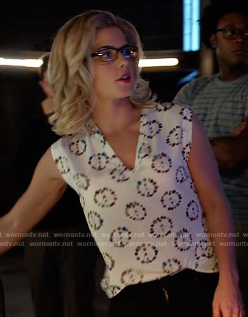Felicity's floral peace top on Arrow