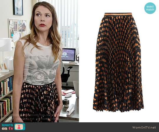 Gucci Pleated Printed Lamé Skirt worn by Sutton Foster on Younger