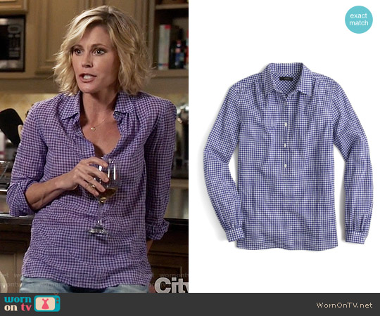 J. Crew Gathered Gingham Popover Shirt in Brunswick Blue worn by Claire Dunphy (Julie Bowen) on Modern Family