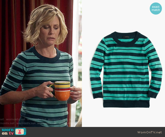 J. Crew  Tippi Sweater in Mixed Stripe in Verdigris Sherwood worn by Claire Dunphy (Julie Bowen) on Modern Family