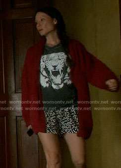 Joan's tiger tee on Elementary
