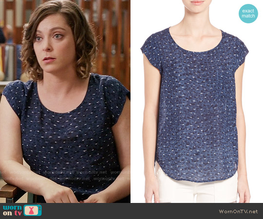 Joie Rancher Top in Sea Texture worn by Rachel Bloom on Crazy Ex-Girlfriend