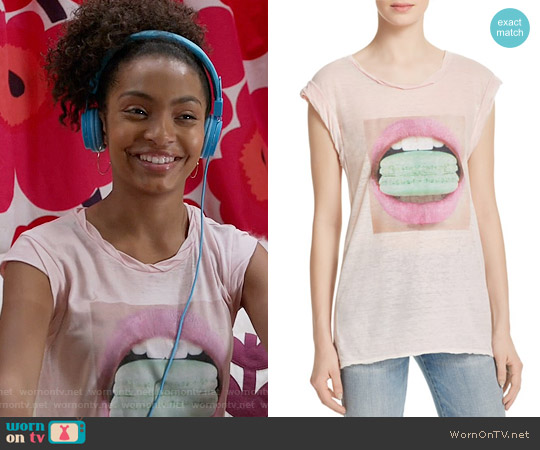 Pam & Gela Frankie Macaroon Tee worn by Yara Shahidi on Blackish