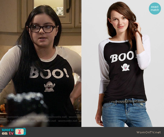 Target Halloween BOO! Ghost Emoji Raglan worn by Ariel Winter on Modern Family