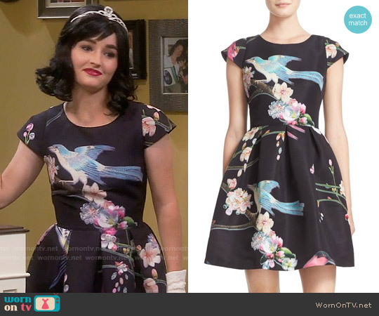 Ted Baker Zaldana Dress worn by Kaitlyn Dever on Last Man Standing