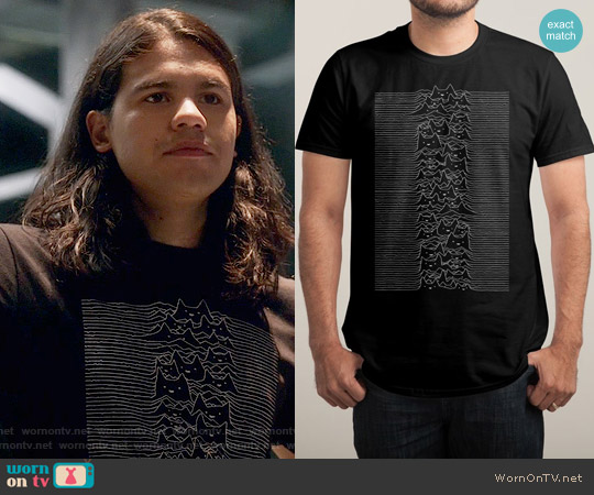 Threadless Furr Division Tee worn by Carlos Valdes on The Flash