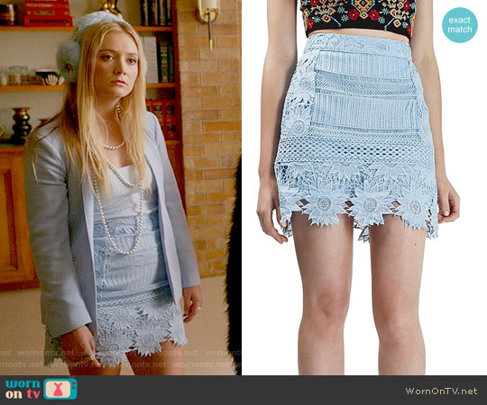 Topshop Cutwork Flower Lace Miniskirt worn by Billie Lourd on Scream Queens