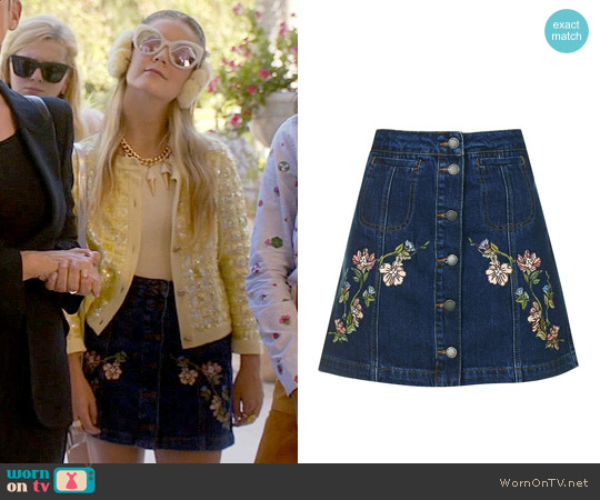 Topshop MOTO Floral Embroidered Skirt worn by Billie Lourd on Scream Queens