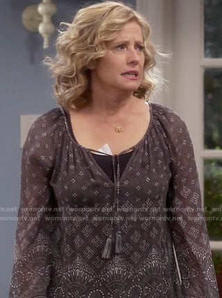 Vanessa's grey peasant blouse on Last Man Standing