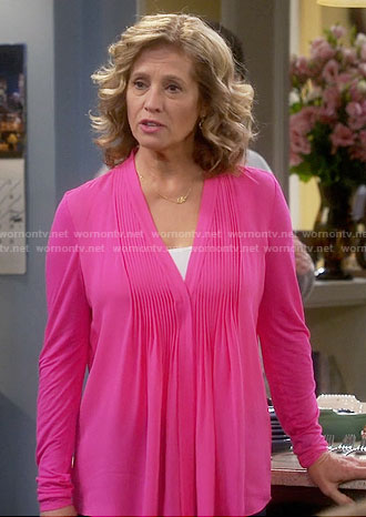 Vanessa's pink pintucked blouse on Last Man Standing