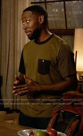 Winston's colorblock tee on New Girl