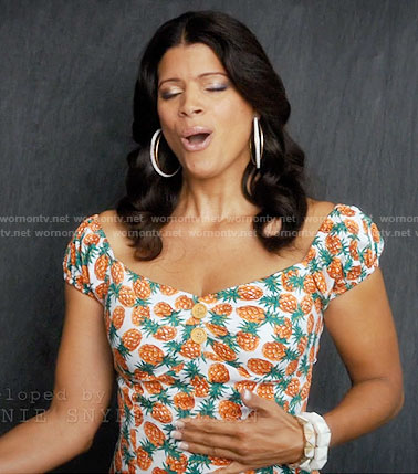 Xiomara's pineapple print dress on Jane the Virgin