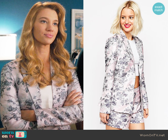 ASOS Premium Occasion Jacquard Blazer worn by Yael Grobglas on Jane the Virgin