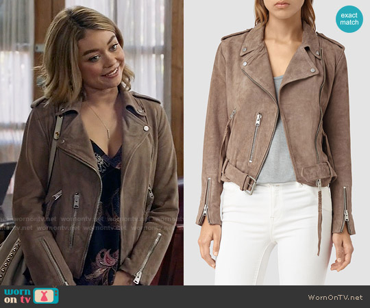 All Saints Plait Balfern Jacket in Mushroom worn by Sarah Hyland on Modern Family
