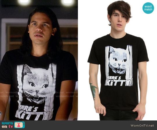 Hot Topic Here's Kitty! T-shirt worn by Carlos Valdes on The Flash