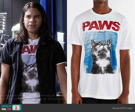 Riot Society PAWS tee worn by Cisco Ramon (Carlos Valdes) on The Flash