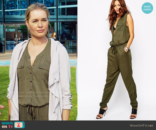 Vila Pocket Detail Utility Jumpsuit worn by Rebecca Romijn on The Librarians