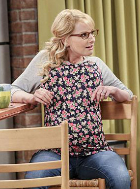 Bernadette's floral raglan top on The Big Bang Theory