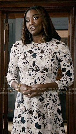 Daisy's black and white floral three-quarter sleeve dress on Madam Secretary