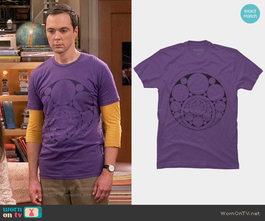 Design by Humans Fourfreak Inner Circle Tee worn by Jim Parsons on The Big Bang Theory