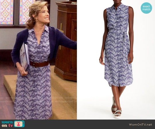 Equipment Tegan Dress in Ultramarine worn by Nancy Travis on Last Man Standing