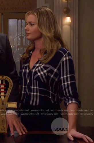 Eve's navy plaid shirt on The Librarians
