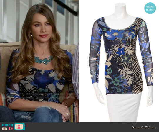 Fuzzi Printed Long Sleeve Top worn by Sofia Vergara on Modern Family