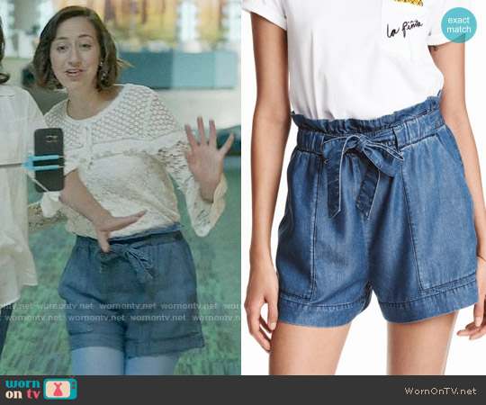 H&M Lyocell Denim Shorts worn by Carol Pilbasian on Last Man On Earth