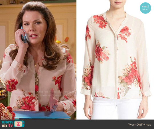 Joie 'Devitri' Silk Shirt worn by Lorelai Gilmore (Lauren Graham) on Gilmore Girls