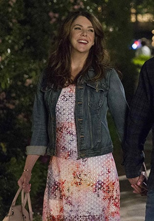 Lorelai's eyelet dress and pink bag on Gilmore Girls: A Year in the Life