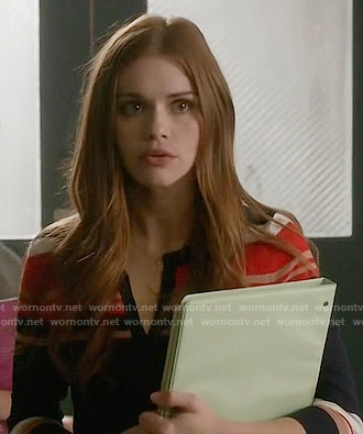 Lydia's striped cardigan on Teen Wolf
