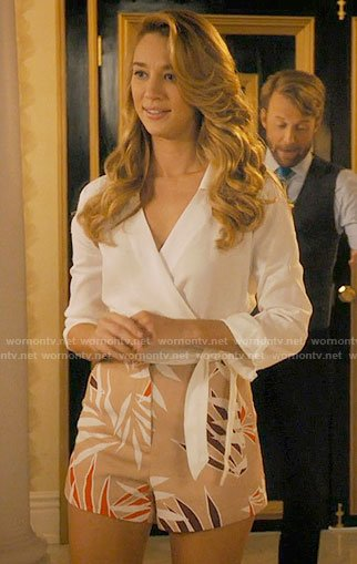 Petra's beige leaf print shorts and white wrap shirt on Jane the Virgin