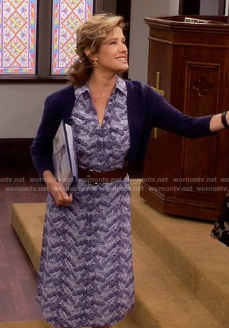 Vanessa's blue printed midi shirtdress on Last Man Standing