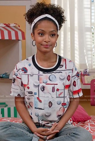 Zoey's make-up print top on Black-ish