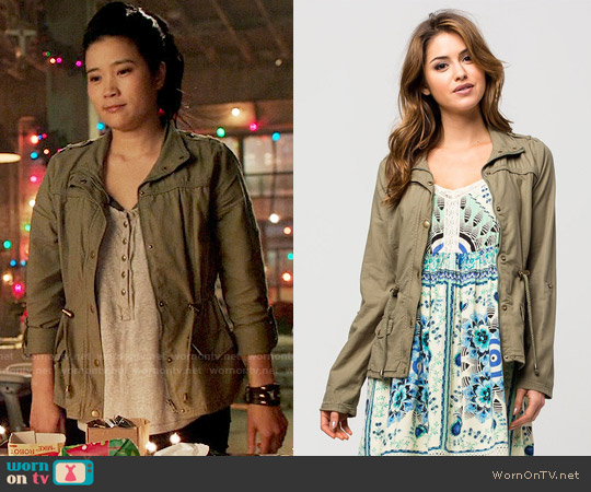 ASHLEY Roll Sleeve Womens Anorak Jacket worn by Happy Quinn on Scorpion