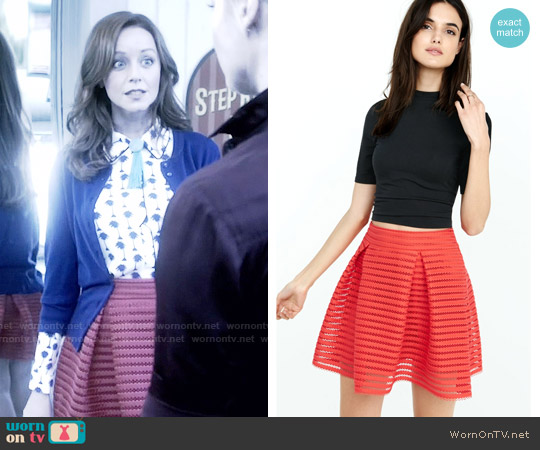 Express Mesh High Waisted Full Pleated Skirt worn by Cassandra Cillian on The Librarians