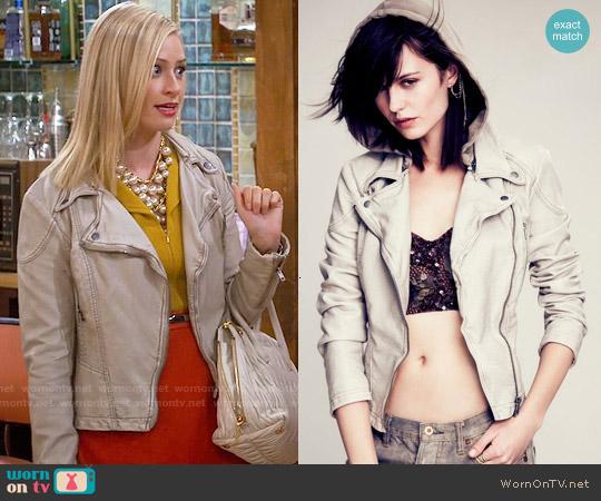 Free People Vegan Leather Hooded Motorcycle Jacket in Light Grey worn by Caroline Channing on 2 Broke Girls