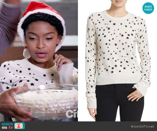 Kate Moss for Equipiment Ryder Star Print Sweater worn by Zoey Johnson (Yara Shahidi) on Blackish