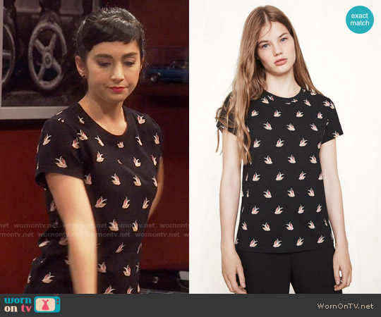 Maje Tami Tee worn by Mandy Baxter ( Molly Ephraim) on Last Man Standing
