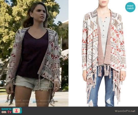 Sun & Shadow Blanket Cardigan worn by Malia Tate (Shelley Hennig) on Teen Wolf
