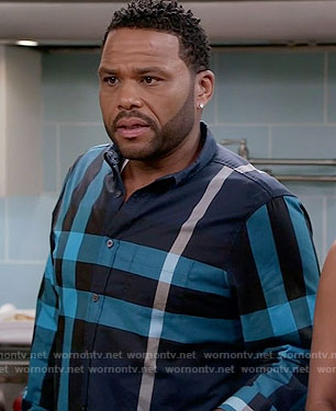 Andre's blue oversized check shirt on Black-ish