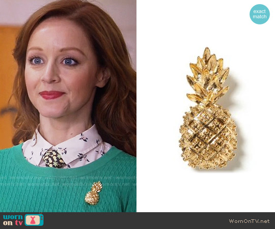 Banana Republic Pineapple Brooch worn by Lindy Booth on The Librarians