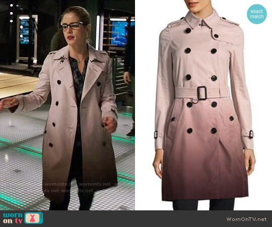 Burberry 'Kensington' Ombre Trench worn by Felicity Smoak (Emily Bett Rickards) on Arrow