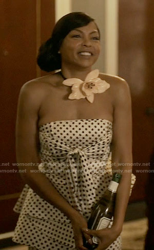 Cookie's strapless polka dot top and trousers and large flower necklace on Empire