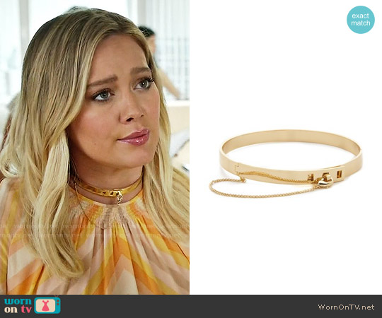 Eddie Borgo Small Safety Chain Choker Necklace worn by Kelsey Peters on Younger