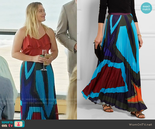 Mary Katrantzou Pelar pleated printed crepe de chine maxi skirt worn by Hilary Duff on Younger