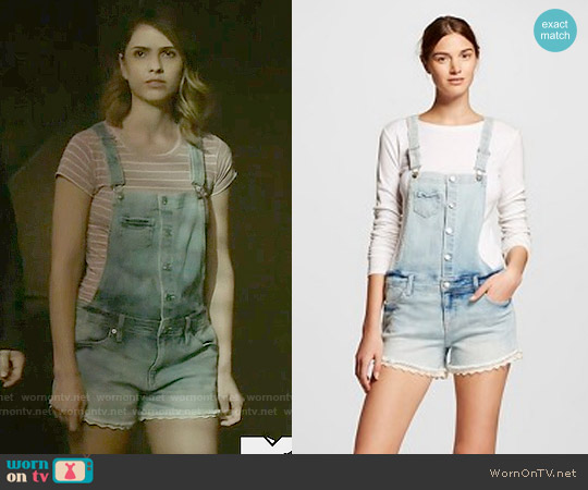 Target Mossimo Jean Shortalls with Lace worn by Shelley Hennig on Teen Wolf
