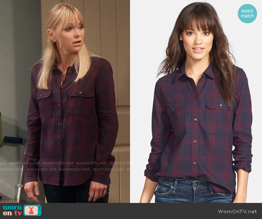 Paige Trudy Shirt in Purple Dusk worn by Anna Faris on Mom