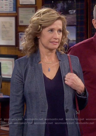 Vanessa's blue blazer on Last Man Standing