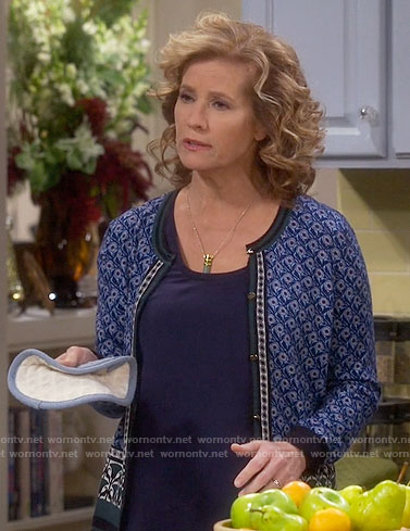Vanessa's blue printed cardigan on Last Man Standing